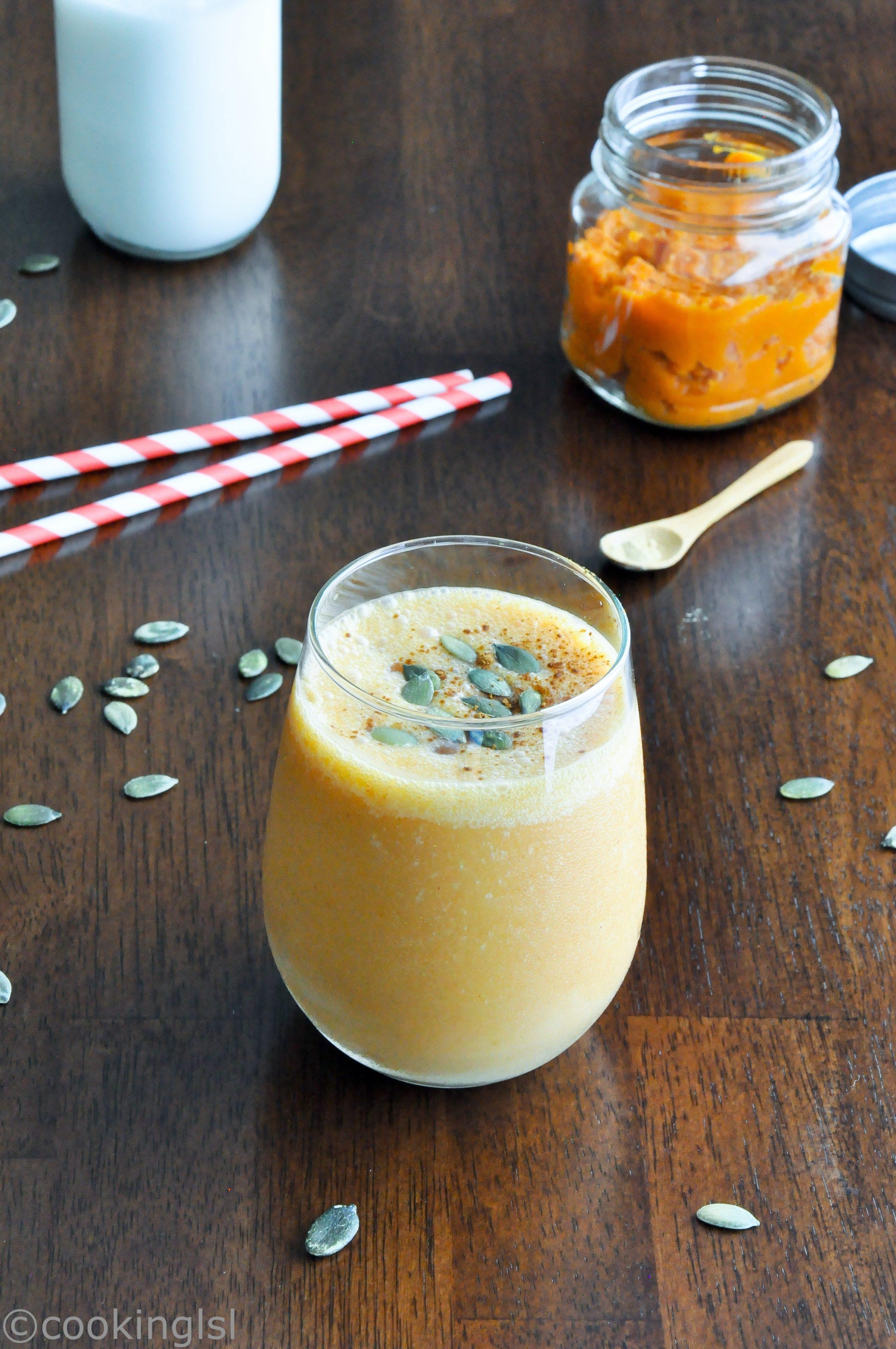 pumpkin-spice-breakfast-smoothie