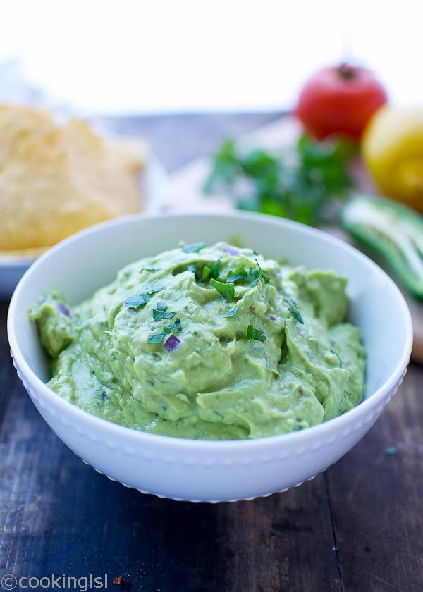 Fresh-Easy-Blender-Guacamole-garlic-no-tomato-5-minutes-appetizer