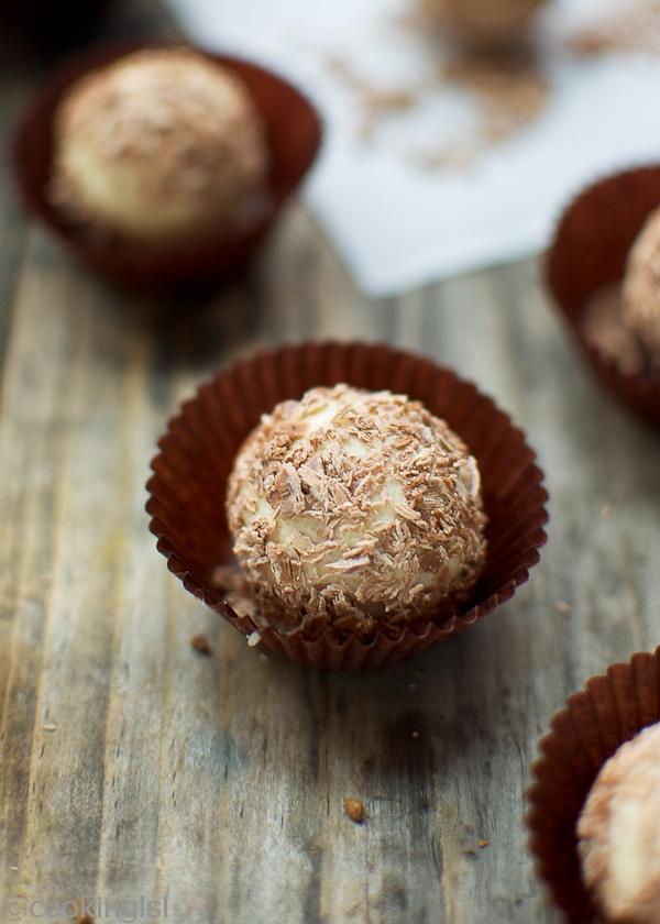 bonbons-white-chocolate-tiramisu-truffles