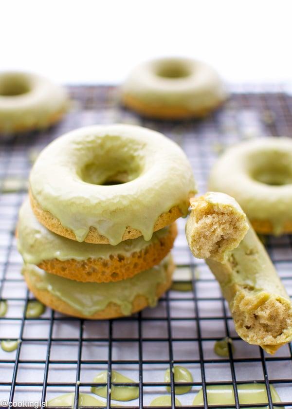 matcha-baked-donuts