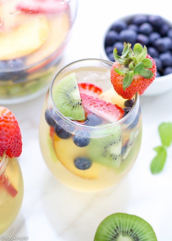 summer-fruity-white-wine-grand-marnier-sangria-recipe