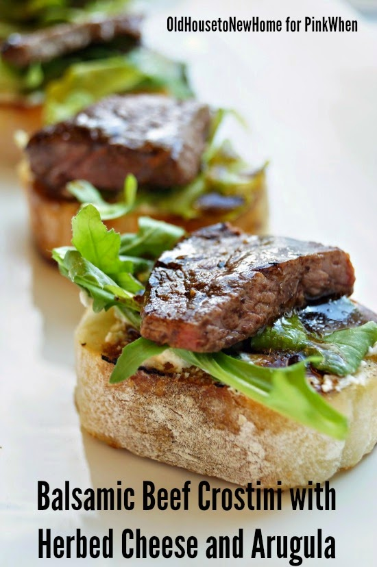 Balsamic-Beef-Crostini-with-Herbed-Cheese-and-Arugula-1